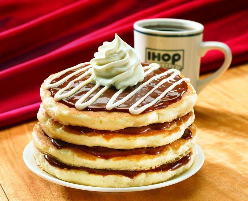 Cinn-A-Stack-Pancakes-ihop-online-food-blog-entertainments-saga