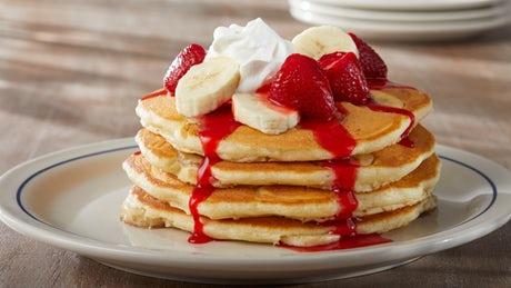 strawberry-banana-pancakes-ihop-online-food-blog-entertainments-saga