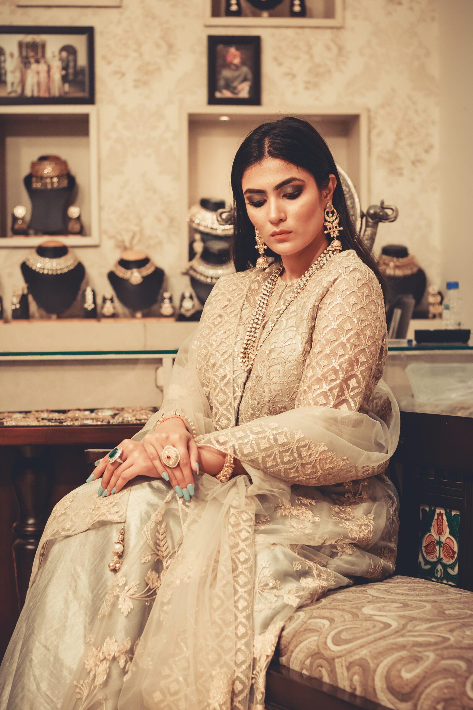indian-woman-in-white-suit-trending-suit-designs-entertainments-saga