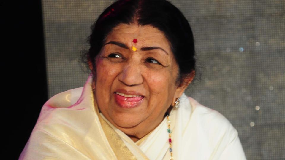 lata-mangeshkar-bollywood-singer-entertainments-saga
