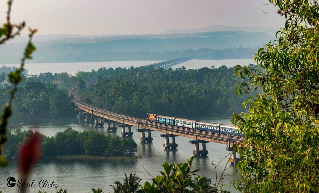 The-Sharavati-Bridge-in-india-incredible-india-entertainments-saga-travel-blog-online