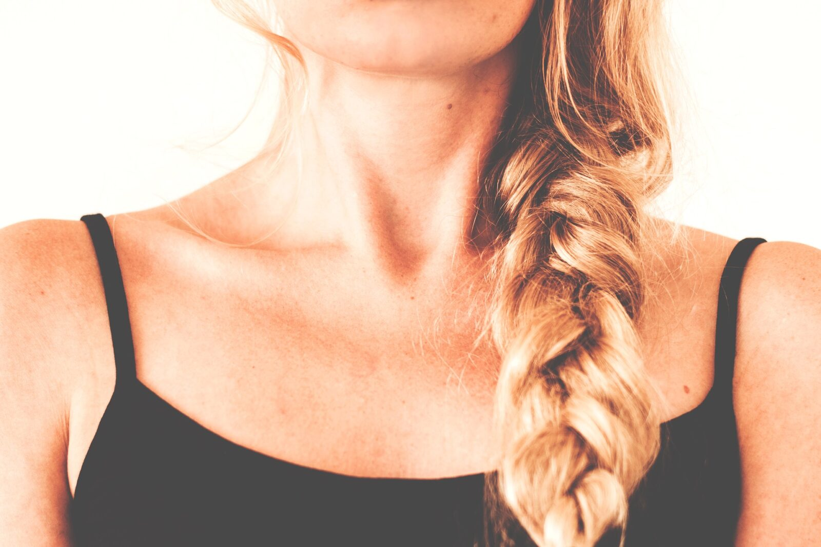 blonde-hair-in-a-braid-beauty-tips-online-entertainments-saga-pixabay