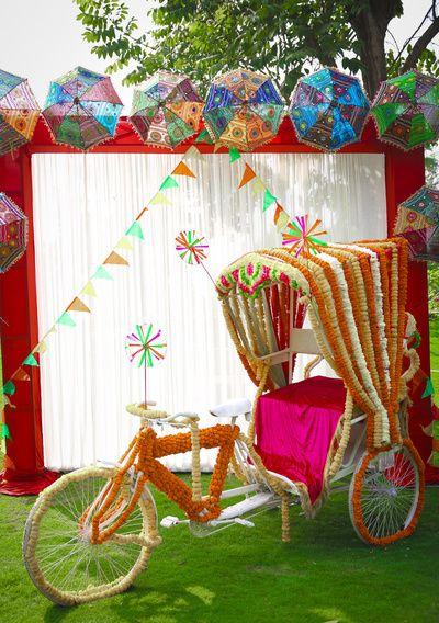 Photobooth-ideas-for-Indian-wedding-cycle-rickshaw