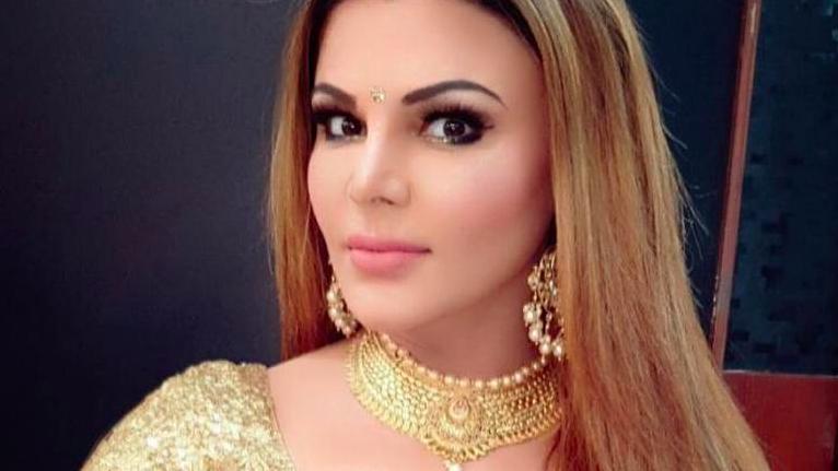 latest-news-rakhi-sawant-selfie-traditional-look-entertainment-saga