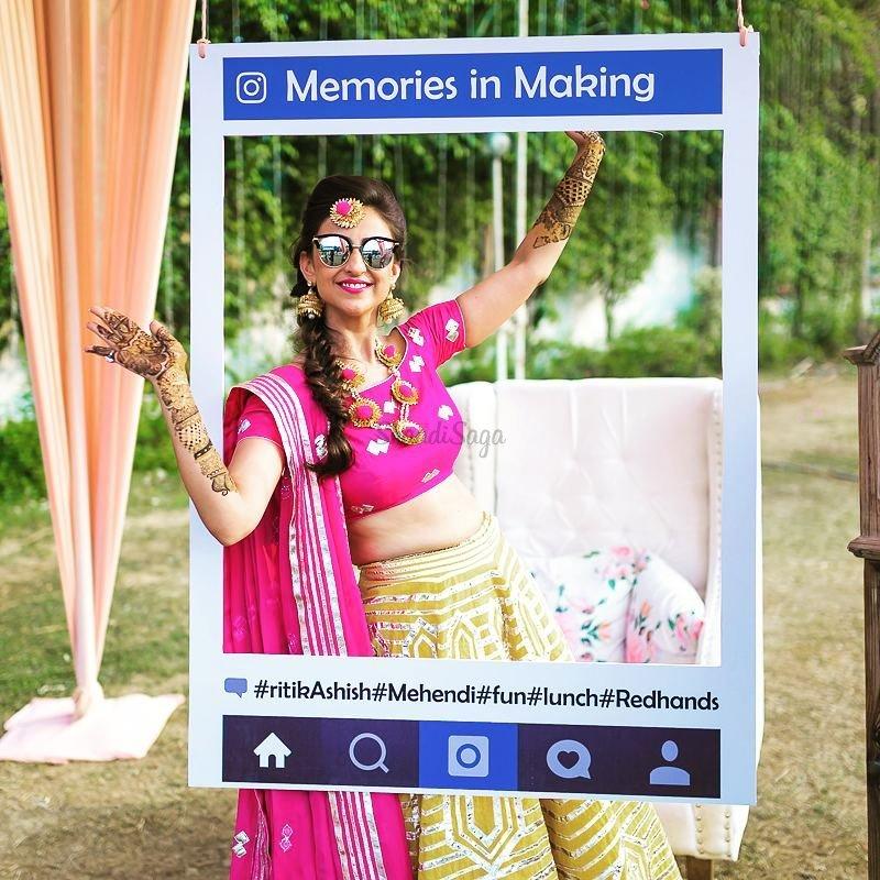 social-media-photo-booth-idea-wedding-indian