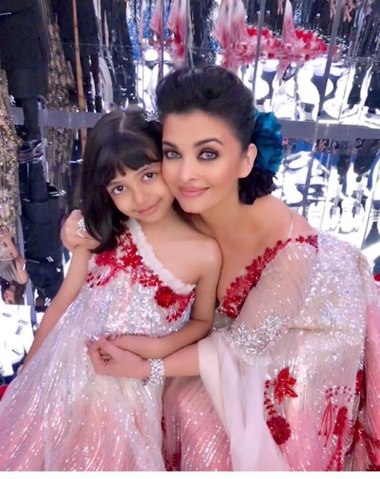 aishwaraya-rai-bachchan-daughter-aradhya-bachchan-family-entertainments-saga