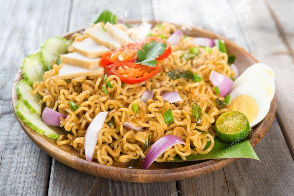 interesting-maggi-recipes-online-food-blog-latest-food-trends-depositphotos