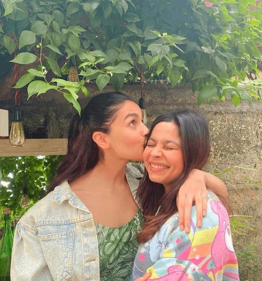 alia-bhatt-sister-shaheen-bhatt-instagram-bollywood-celebrity-news