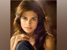 bollywood-actress-arya-banerjee-bollywood-celebrity-news