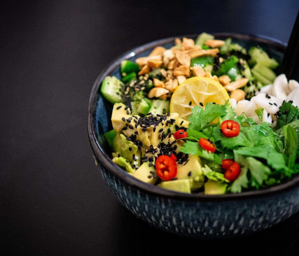 bowl-of-salad-online-food-blog