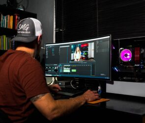 5 Best Software for Videos Editing for YouTube (Free & Paid)