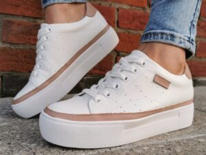 Carmela 67808 White Leather Trainers