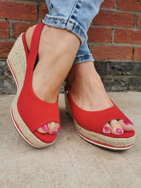 Refresh 72693 Red Sole Sister 2