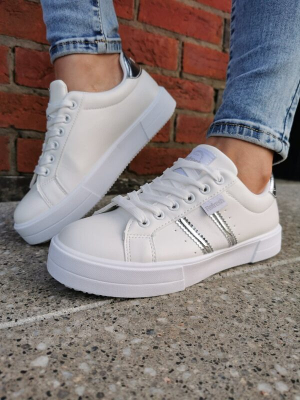 Refresh 72863 White Trainer Sole Sister