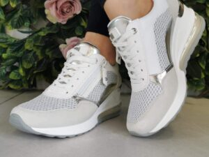 XTI 42626 White Wedge Trainers