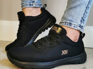 xti 42562 Black Trainers Sole Sister
