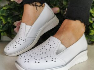 Drillys White Soft Faux Wedge