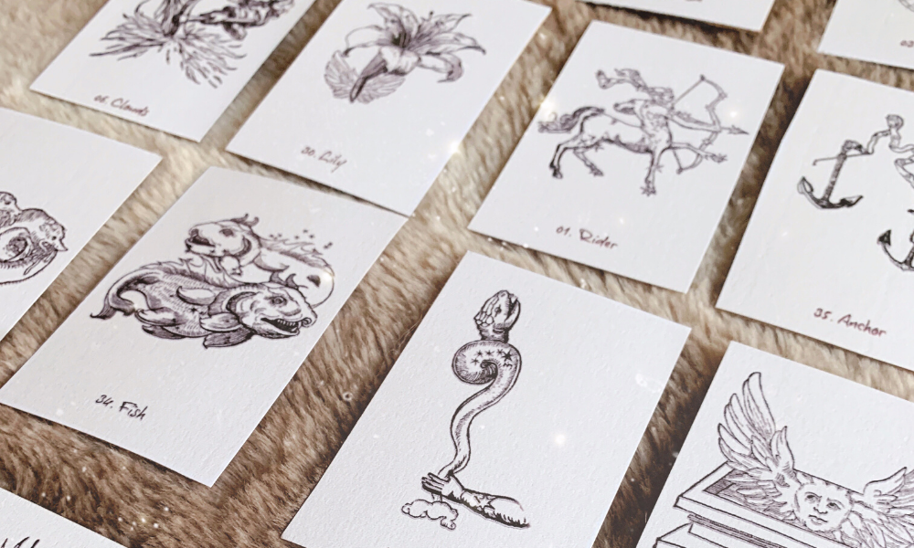 Cards in their own house of a grand tableau