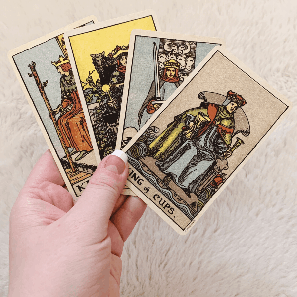 Four Kings, Three Kings, Two Kings in a Tarot reading