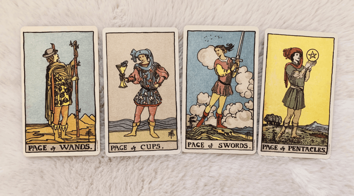 Multiple Pages in a Tarot Reading
