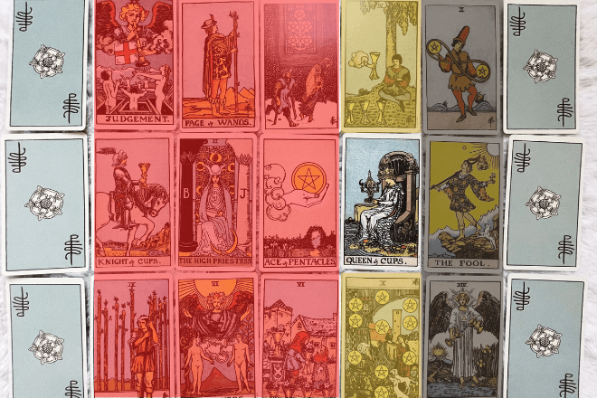 How to use a Tarot court card Significator