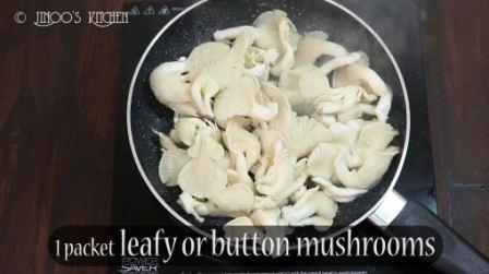 Mushroom mezhukkupuratti
