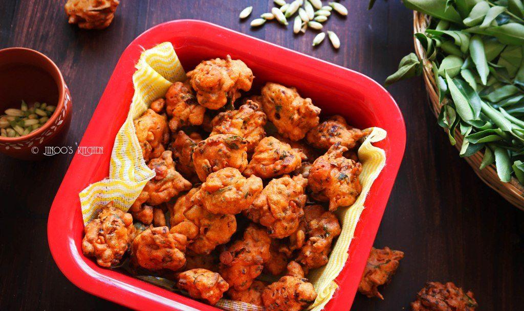 Drumstick flower fritters recipe | Murungai poo pakoda | Sajne Phooler Bada