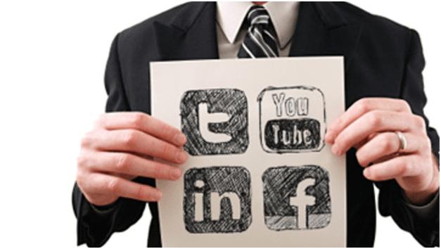 using social media to hunt for a job (509)