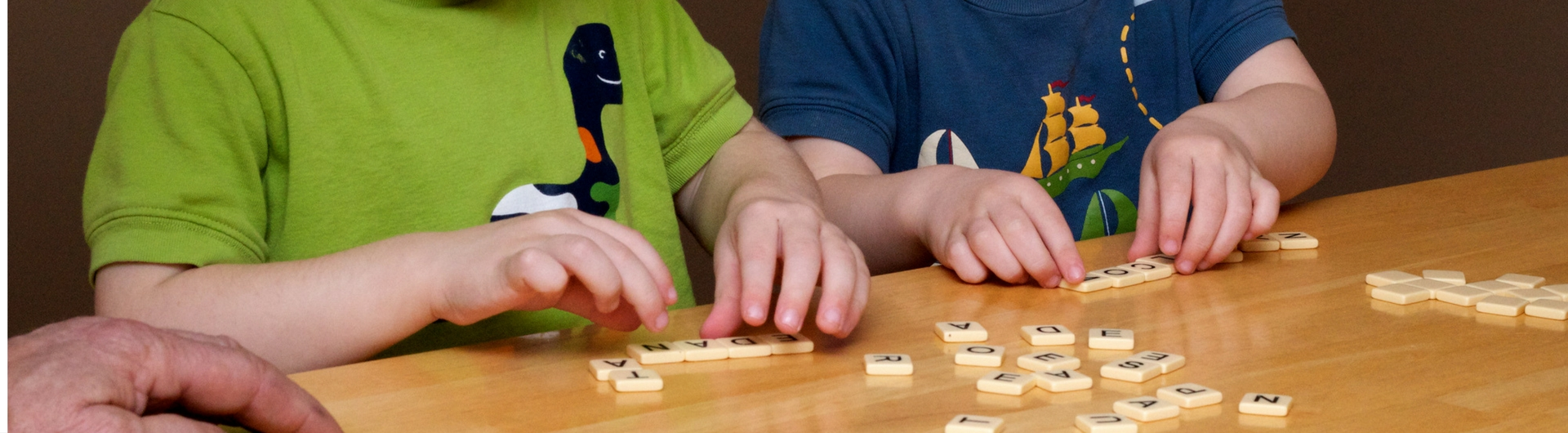 bananagrams-word-games-to-help-children-to-read-and-write
