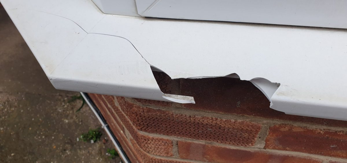 BADLY DAMAGED UPVC PLASTIC SILL REPAIR CRACK CHIP SCRATCH BEFORE