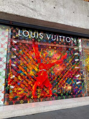 Louis Vuitton - Monogram