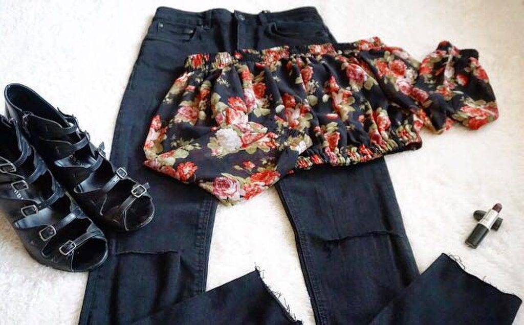 Top - Tobi, Jeans - Zara, Shoes - Chinese Laundry