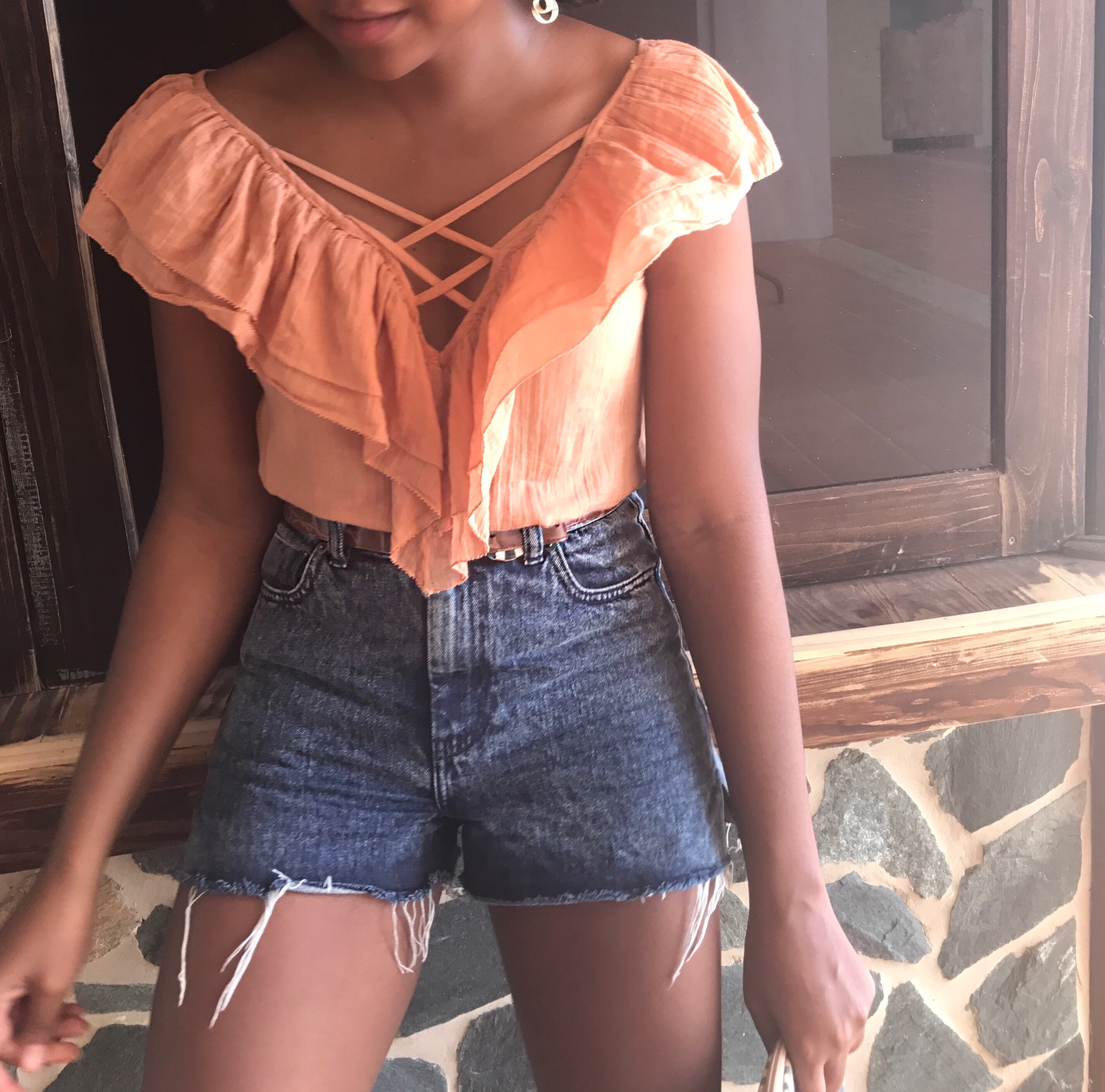Rufflled top, Denim shorts, Caribbean Blogger, Brunch Style, The Business of Chic
