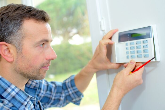 Benefits of installing a burglar alarm system