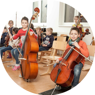 Das Projekt Klassenstreicher ermöglicht Grundschülern Zugang zu Musik und Kultur.