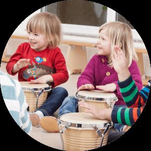 Das Projekt Kindermusikanten ermöglicht Kindern eines Kindergartens Zugang zu Musik