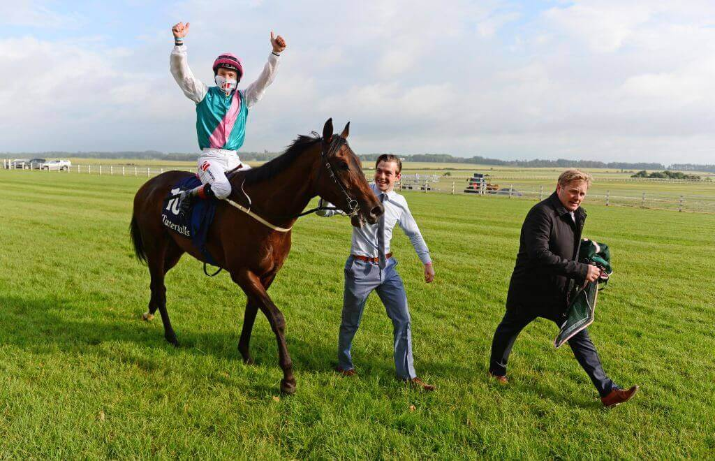 Siskin stormed home to take out the Irish 2000 Guineas.