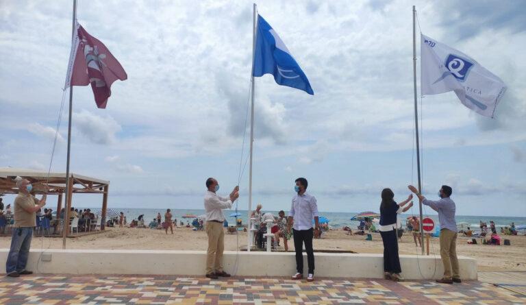 subida bandera azul playa de la Glea