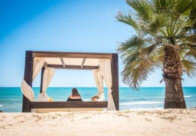 Disponibles las camas balinesas de chiringuitos del sol en Punta prima