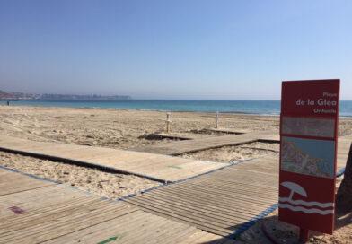 Todo a punto para disfrutar de las playas en Orihuela Costa