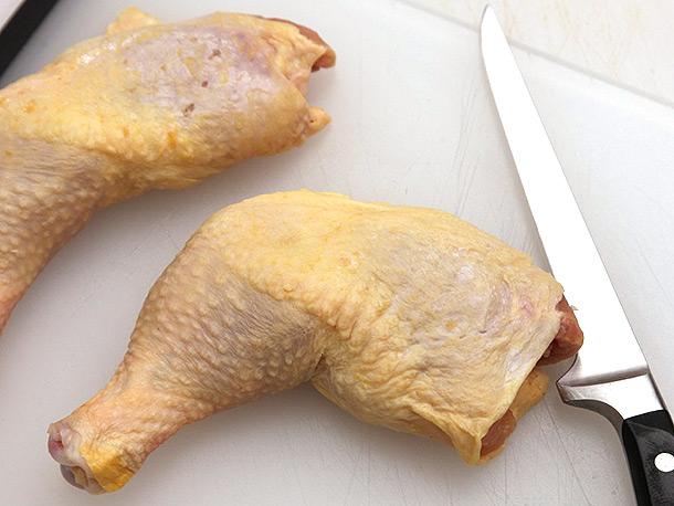 knife-skills-deboning-chicken-thigh-01