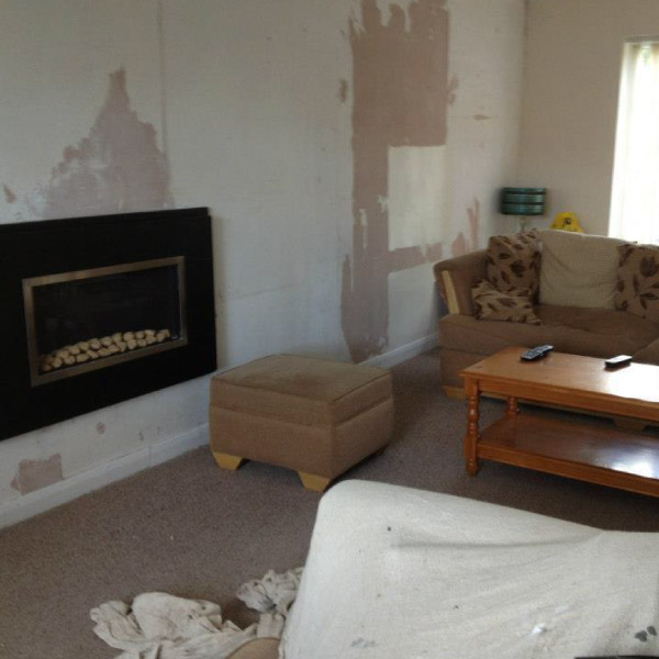 lounge before wallpapering