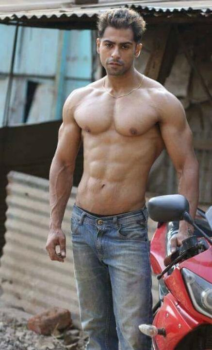 Arjun Kumar Mutneja as Dream man