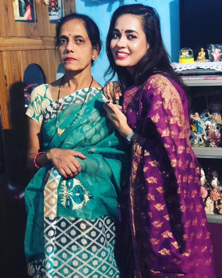 Shikha Sinha mother