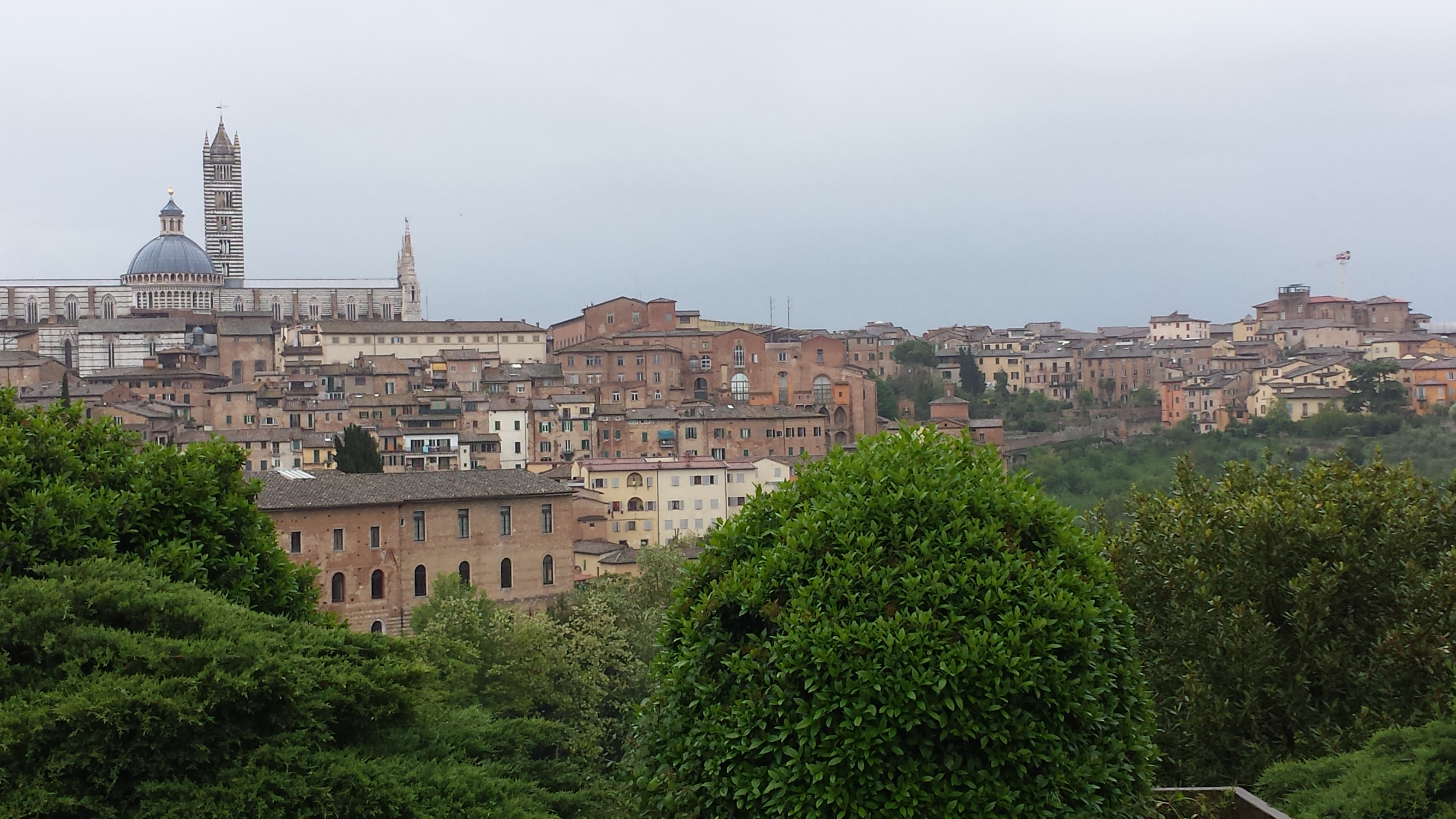 Italy–Among Beauty and Ruins