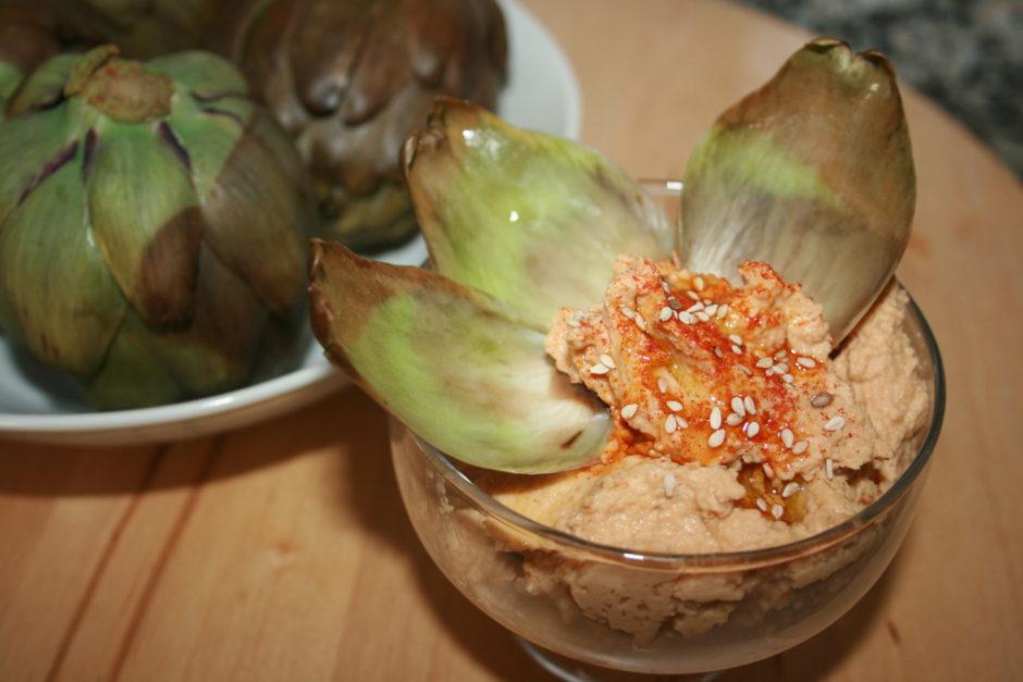 alcachofas con hummus