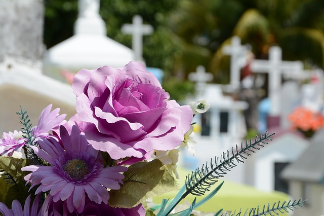 We can help with funeral costs
