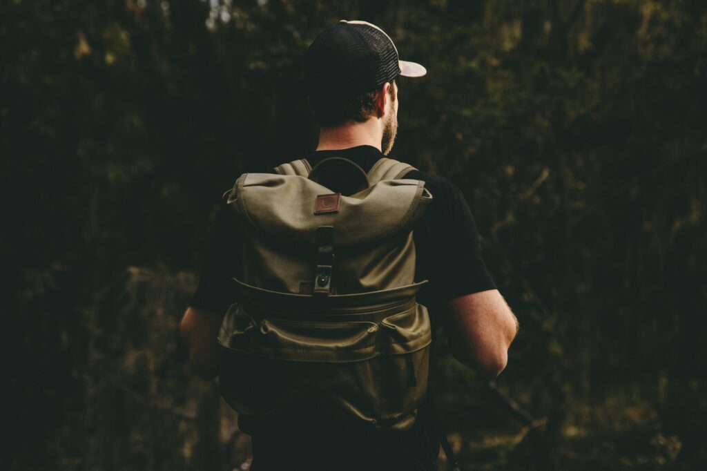 pack your bags light - trekking rule 4