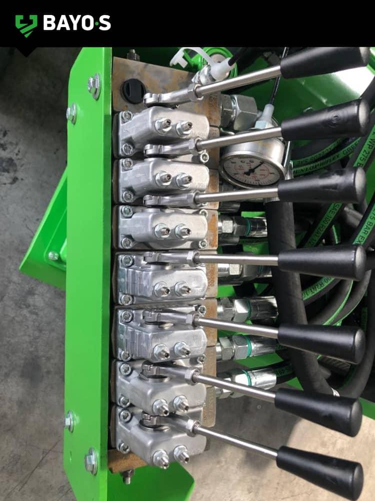 BAYO•S mazaka 600 ground screw installation machine