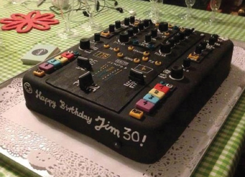 Enjoyable These 10 Dj Inspired Cakes Are Awesome Soundspace Birthday Cards Printable Trancafe Filternl